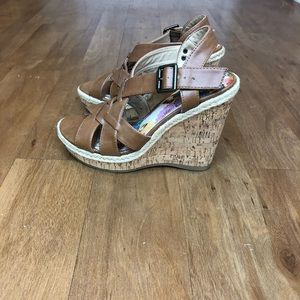 "Limelight tan 4 1/4 "" wedges"